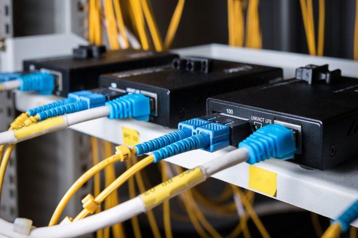 Media Converter (Fiber Optik Dönüştürücü) Nedir